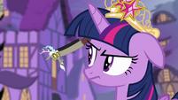 Discord in Twilight's ear S4E02