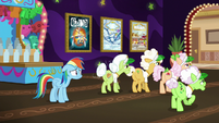 Gold Horseshoe Gals head to the buffet S8E5