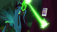 Queen Chrysalis carving Rarity's cutie mark S8E13