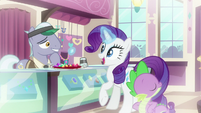 Rarity interested in light blue gem S9E19