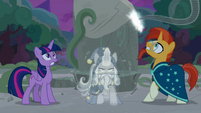 Star Swirl breaks free of the Pony of Shadows' vines S7E25