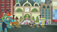 The street of Manehattan S6E3