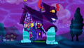 Dream house sprouts mouths and legs S5E13.png