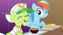 Granny excited; Rainbow Dash concerned S8E5