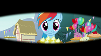 Rainbow Dash and pie in Pinkie's vision S7E23