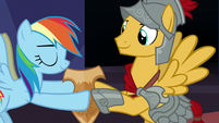 Rainbow Dash giving Netitus to Flash Magnus S7E26