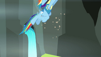 Rainbow flying up S3E07
