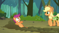 Scootaloo digging a trench S3E06