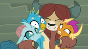 Yona hugging her new friends S8E2