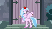 Apple lands on Silverstream's head S8E2