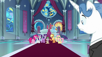 Fancy Pants sees Mane Six and Spike S9E13
