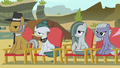 Pie family members in the audience S7E4.png