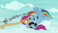 Rainbow Dash saves Scootaloo S8E20