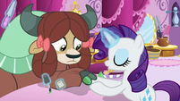 Rarity blowing on Yona's painted hooves S9E7