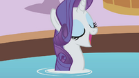 Rarity happy S01E09