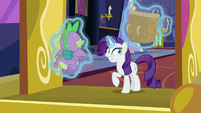 Rarity holding big and small gem baskets S9E19