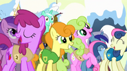 640px-S1E11 Ponies filled with joy