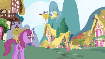 640px-Twilight Sparkle arrives in Ponyville S1E01