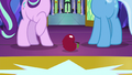 Apple lands at Starlight and Trixie's hooves S7E2.png