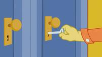 Discord locks the door S5E7