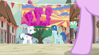 Double Diamond and Party Favor notice Starlight Glimmer S6E25
