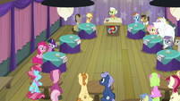 Everypony at Trivia Trot looks at Pinkie Pie S9E16