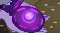 Magic swirls in Twilight's amulet EG3