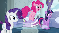 Pinkie smushes Spike in luggage again S6E7