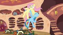 Rainbow Dash holds Fluttershy S3E05