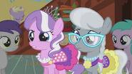 S01E12 Diamond Tiara i Silver Spoon na przyjęciu