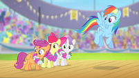 "Scootaloo ""cutie marks in flag carrying"" S4E05"