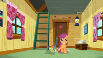 Scootaloo alone in Crusaders' clubhouse S8E20