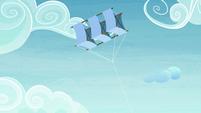 Starlight's kite floating in the sky S7E4