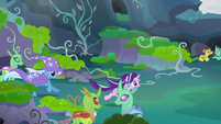 Starlight and Trixie running toward Thorax S7E17