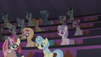 Starlight disappears from the audience S5E25