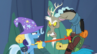 Trixie catches the Discord Changeling S6E26