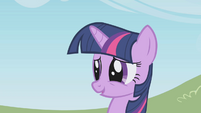 Twilight embarrassed by her outburst S1E03