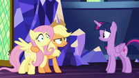 AJ confident in herself and Fluttershy S8E23