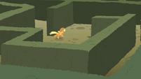 Applejack running the maze S2E01 (1)