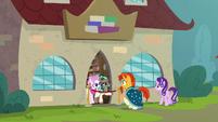 Bookstore ponies stop Sunburst from entering S8E8
