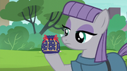 Maud Pie holding a rock pouch S6E3