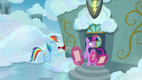 Rainbow Dash blows airhorn in Twilight's ears S6E24