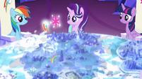 Rainbow and Twilight's cutie marks float over Yakyakistan S6E12