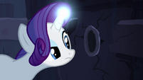 Rarity finds hole in the wall S4E03
