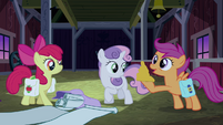 Scootaloo about to blow luster dust S3E04