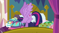 Twilight taking off Rarity's new dress S8E2