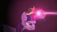 Twilight throwing magic rope at Stygian S7E26