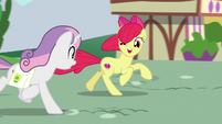 "Apple Bloom ""I hope you brought the tickets"" S9E22"