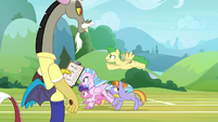 Discord watches the students run laps S8E15