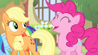 Pinkie -Singing in the most beautiful voice ever-!-- S4E14
